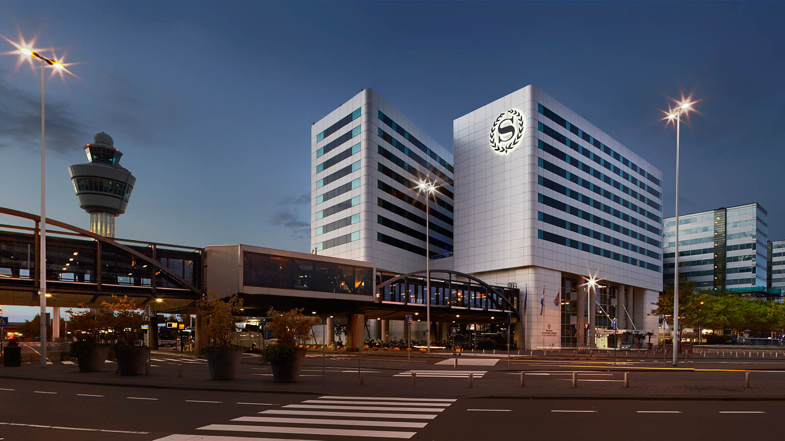 Special Hotel Offers and Exclusive Deals at Amsterdam Airport Schiphol